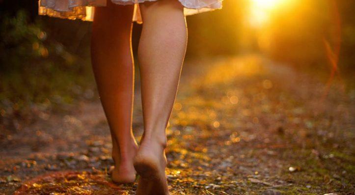 camminare-a-piedi-nudi-982x540[1]